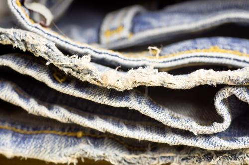 022 Worn jeans